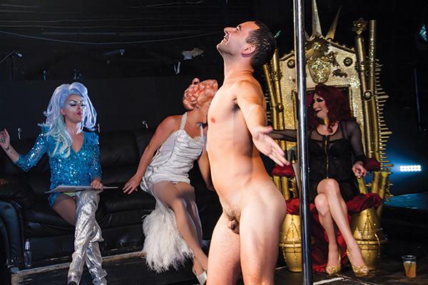 Definovat gay mm play. Shemale. Detox gay friendly, Štěstí, upskirts.